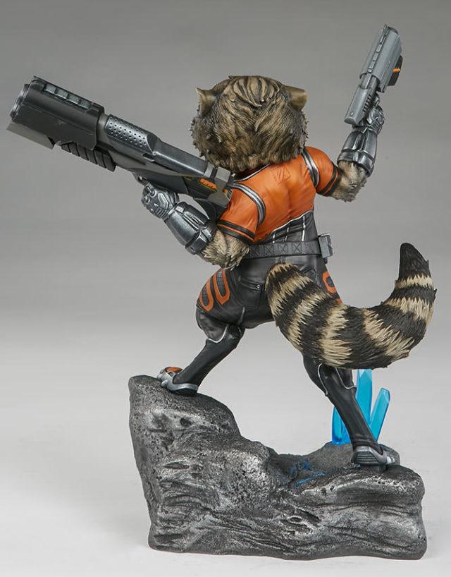 back-of-sideshow-premium-format-figure-rocket-raccoon