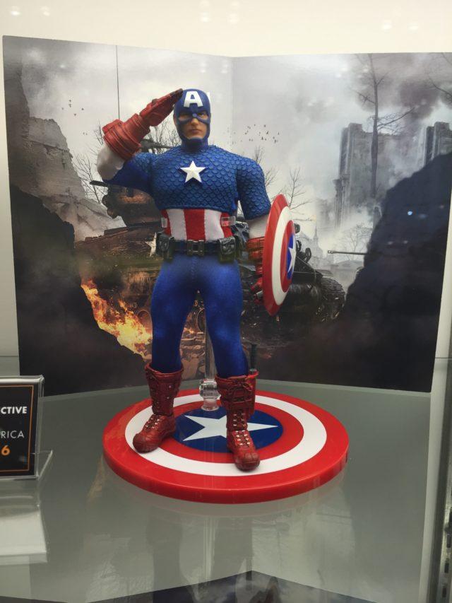 Mezco Captain America ONE:12 Collective Figure