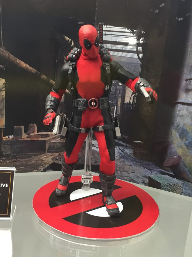 Deadpool NYCC 2016 Mezco ONE 12 Collective Figure