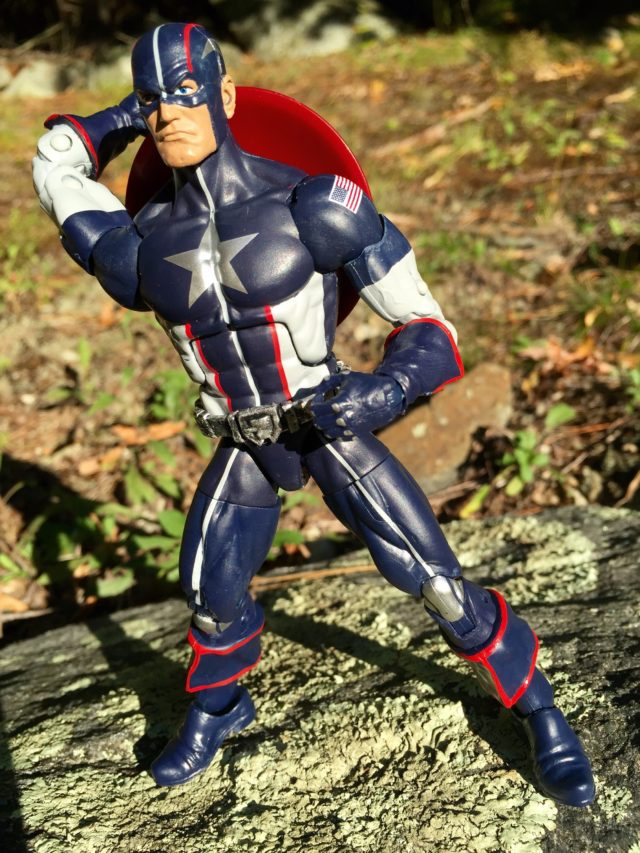 Hasbro Marvel Legends Secret War Captain America Reaching for Shield