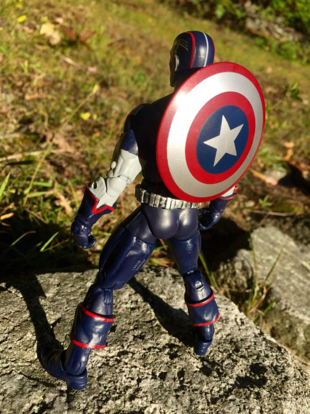 Shield on Back of Captain America Secret War Marvel Legends Six Inch Figure