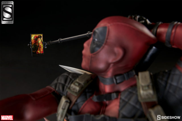 close-up-of-sideshow-exclusive-deadpool-selfie-stick-cell-phone