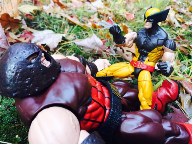 X-Men Legends Juggernaut vs Wolverine Figures