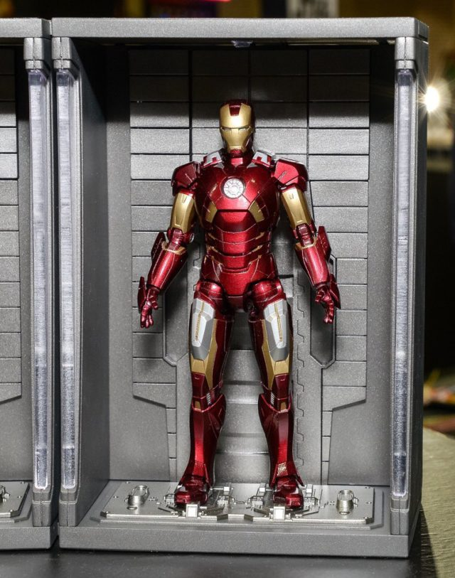 bandai-s-h-figuarts-iron-man-mark-vii-figure-hall-of-armor
