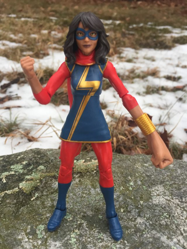 Kamala Khan Marvel Legends 2017 Figure with Embiggen Fist
