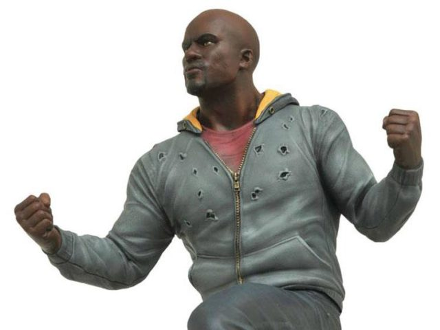 marvel-gallery-netflix-luke-cage-statue-close-up