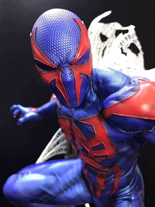 prime-1-studios-marvel-spider-man-2099-statue-close-up
