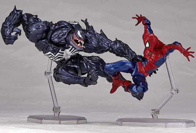revoltech-venom-vs-spider-man-action-figures-2017