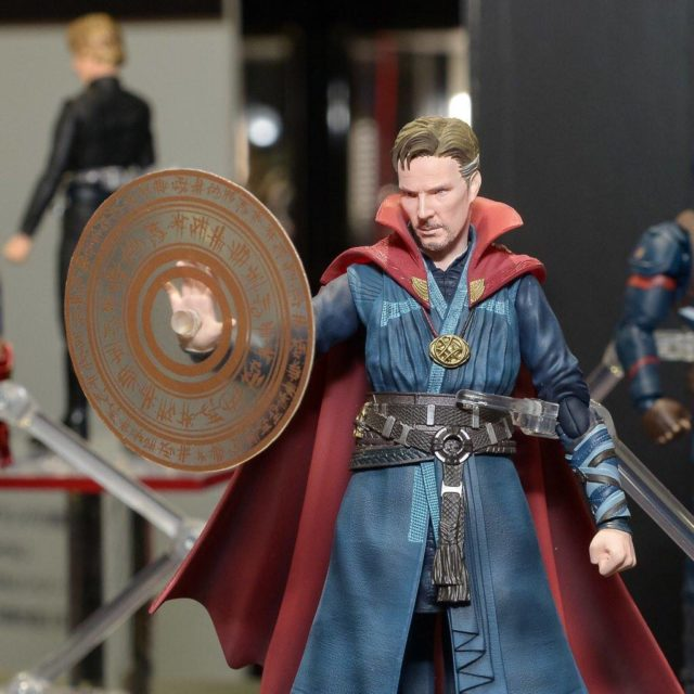 sh-figuarts-doctor-strange-figure-close-up
