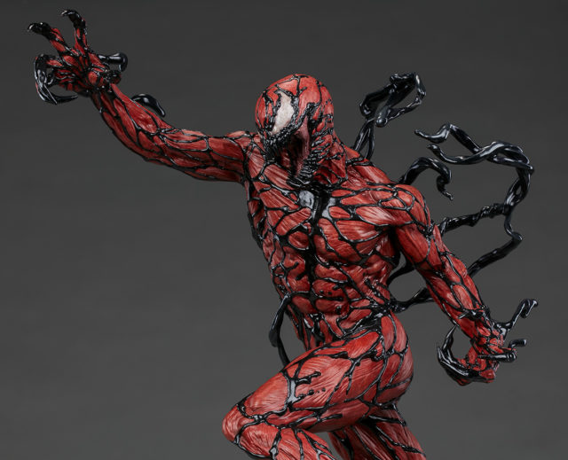 sideshow-collectibles-carnage-premium-format-figure-side-view