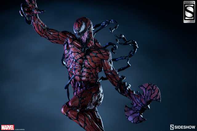 sideshow-exclusive-carnage-pf-statue-double-bladed-axe-hand