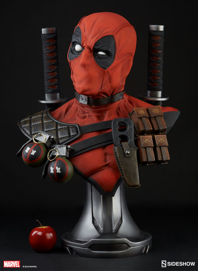 size-comparison-photo-sideshow-life-size-deadpool-statue-and-apple