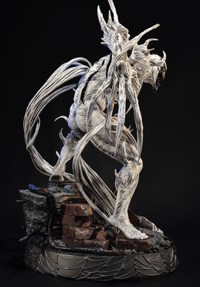 Close-Up of Sideshow Collectibles Anti-Venom Statue Prime 1