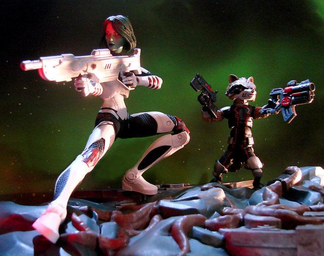 Comic Guardians of the Galaxy Marvel Legends Gamora & Rocket Raccoon Action Figures