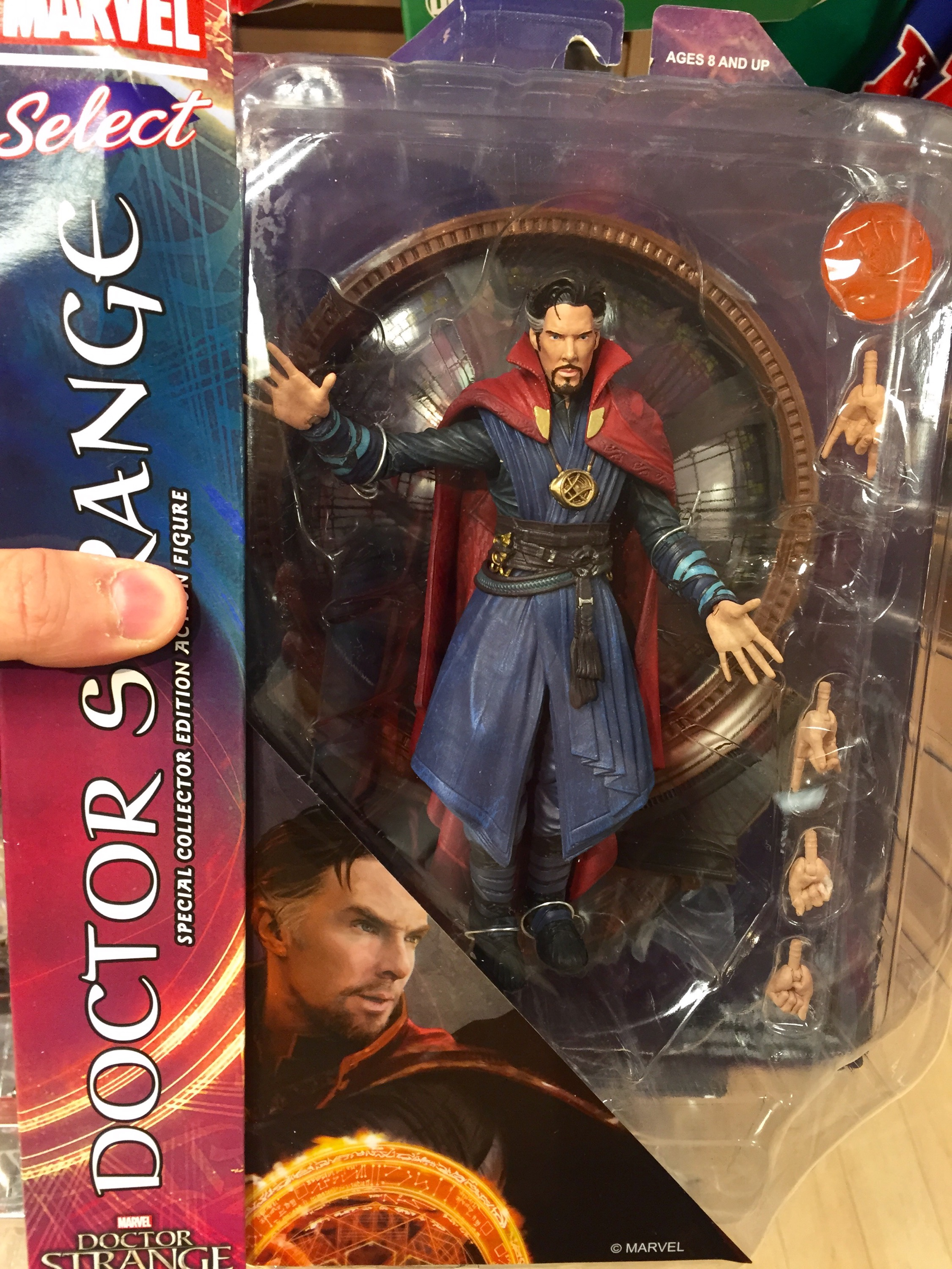 Diamond Select Toys Marvel Select Doctor Strange Movie 7in Action Figure