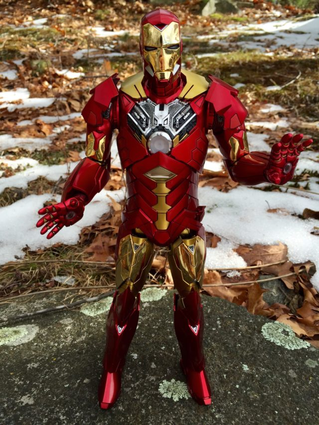 Retro Armor Iron Man Hot Toys with Chest Armor Removed