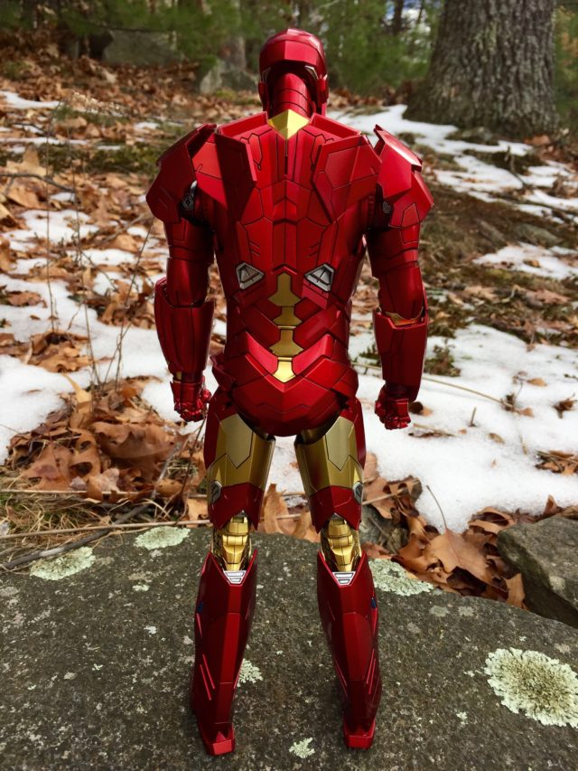 Back of Hot Toys Retro Iron Man Sneaky Sixth Scale Figure