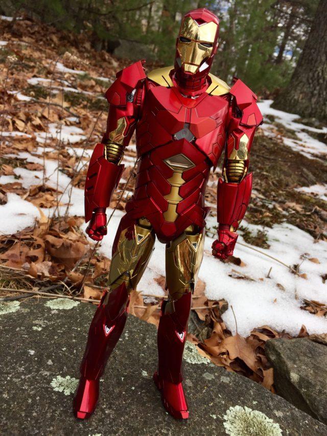 Exclusive Hot Toys Iron Man Mark XV Retro Version Figure Review
