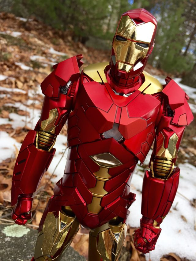 Retro Armor Sneaky Iron Man Hot Toys Review MMS 396