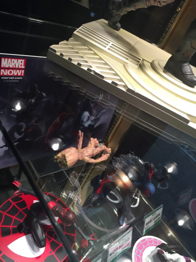 Toy Fair 2017 Fallen Groot Figure Kotobukiya Star-Lord Statue