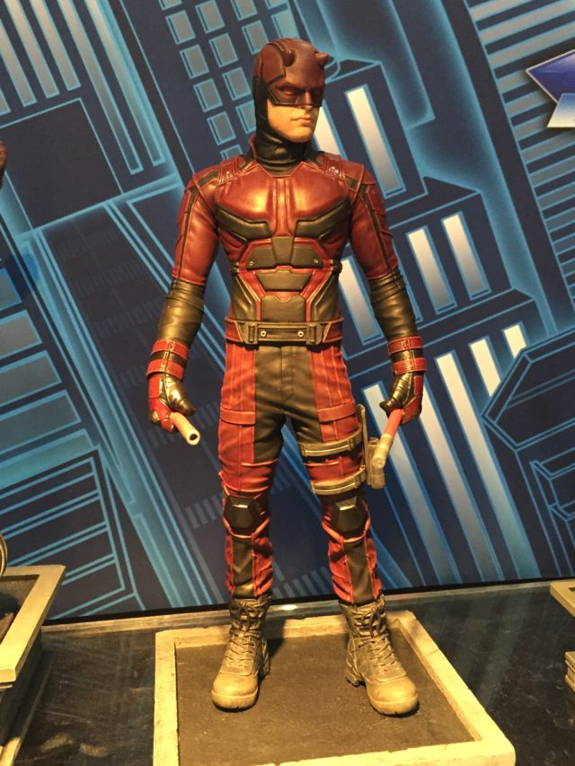NY Toy Fair 2017 Diamond Select Daredevil Marvel Gallery Statue