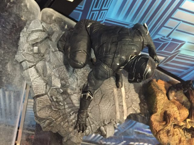 2017 Toy Fair Black Panther Diamond Select Toys Statue
