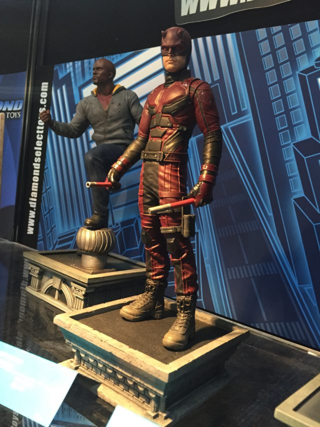 Toy Fair Netflix Daredevil Marvel Gallery Statue DST