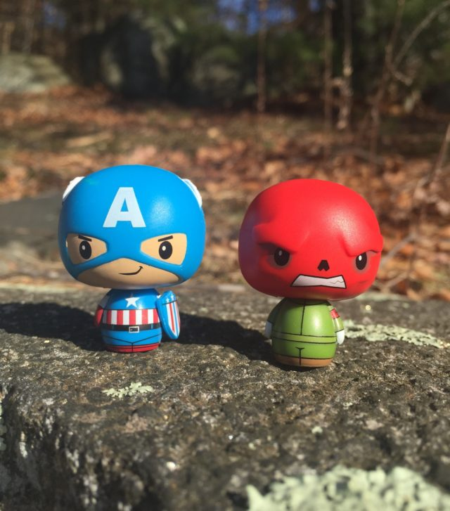 Funko Superhero Showdowns Pint Size Heroes Red Skull Captain America