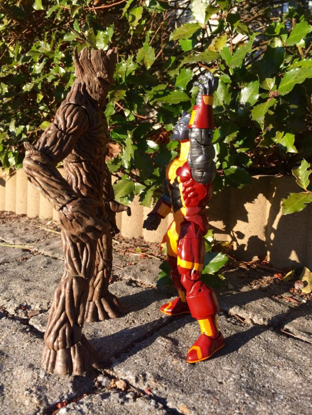 Scale Photo Marvel Legends Colossus vs. Marvel Select Groot