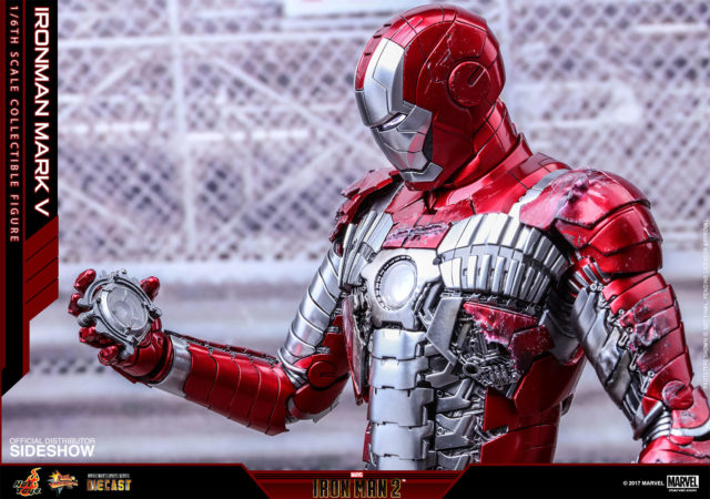 Iron Man Mark V Hot Toys Die-Cast Figure Holding Whiplash Arc Reactor