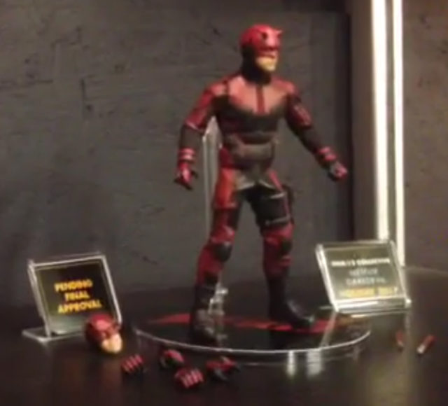 Netflix Daredevil Mezco ONE 12 Collective Figure Screenshot