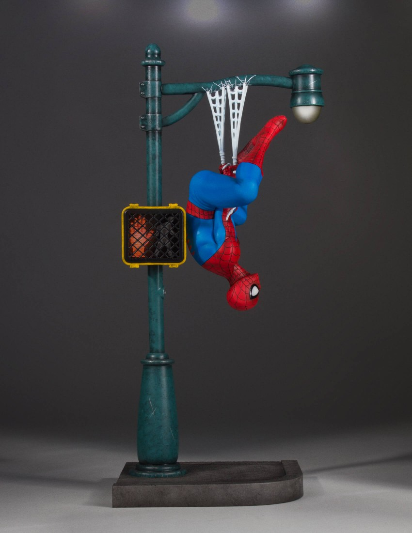 Electronic Traffic Light On Spider Man Gentle Giant Statue