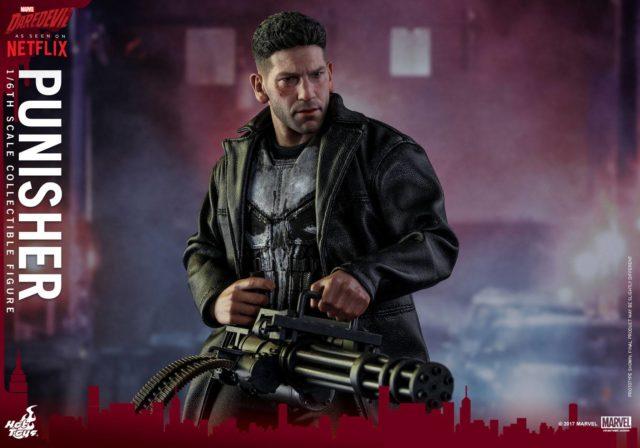Hot Toys Punisher MMS Figure Holding Minigun