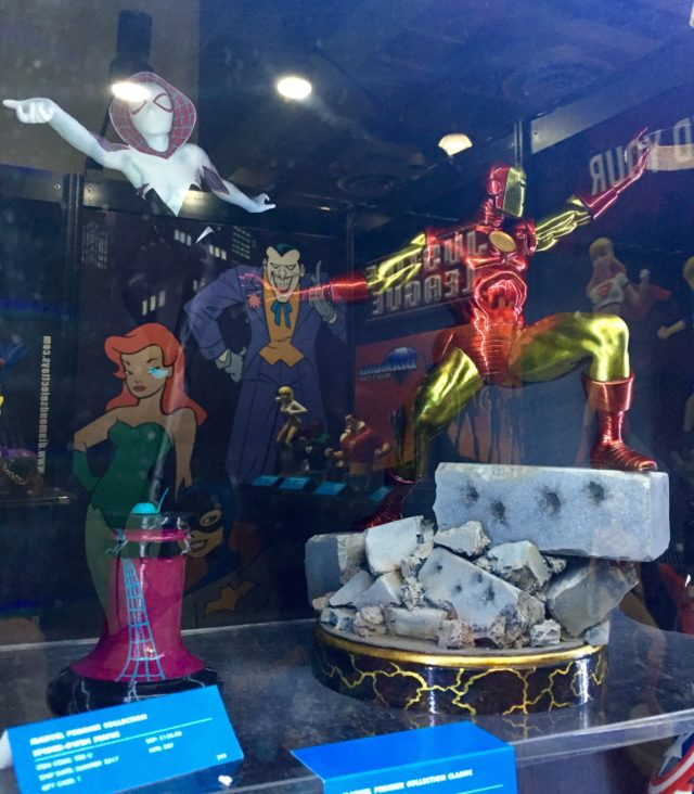 Toy Fair 2017 Marvel Premier Collection Spider-Gwen Masked and Iron Man Statues