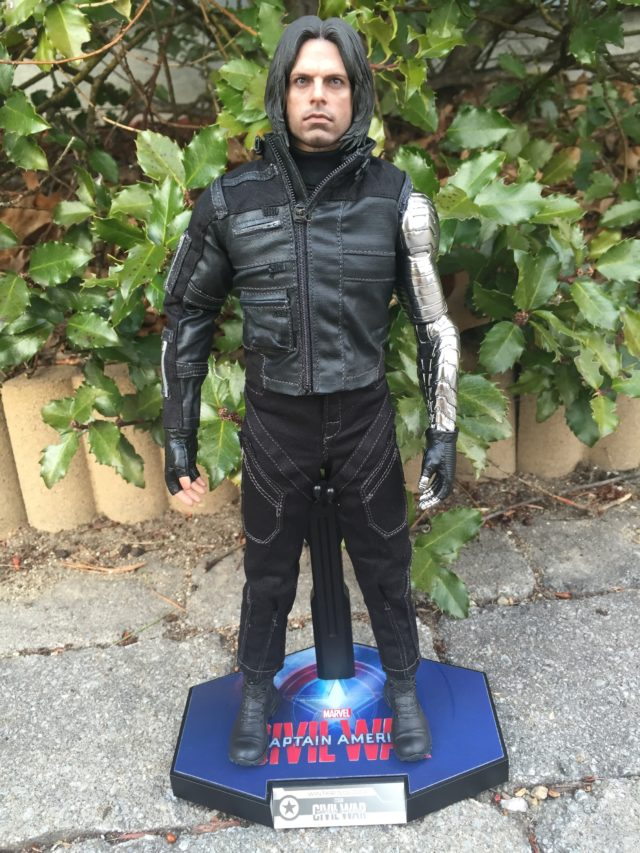MMS 351 Winter Soldier Hot Toys Figure on Stand