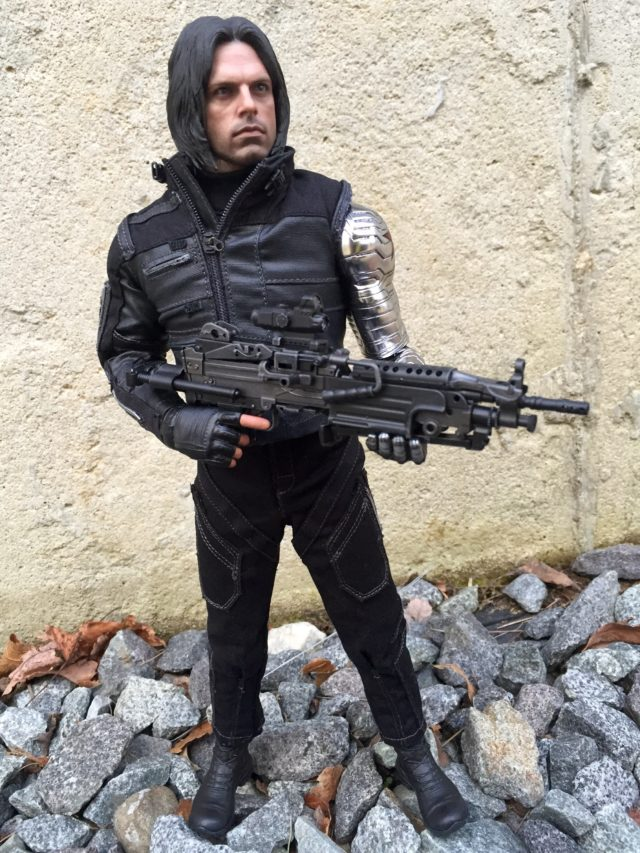 Hot Toys MMS351 Winter Soldier Figure with Gun