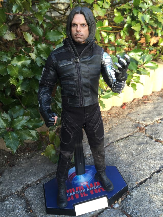 Hot Toys 2017 Civil War Winter Soldier Sixth Scale Figure