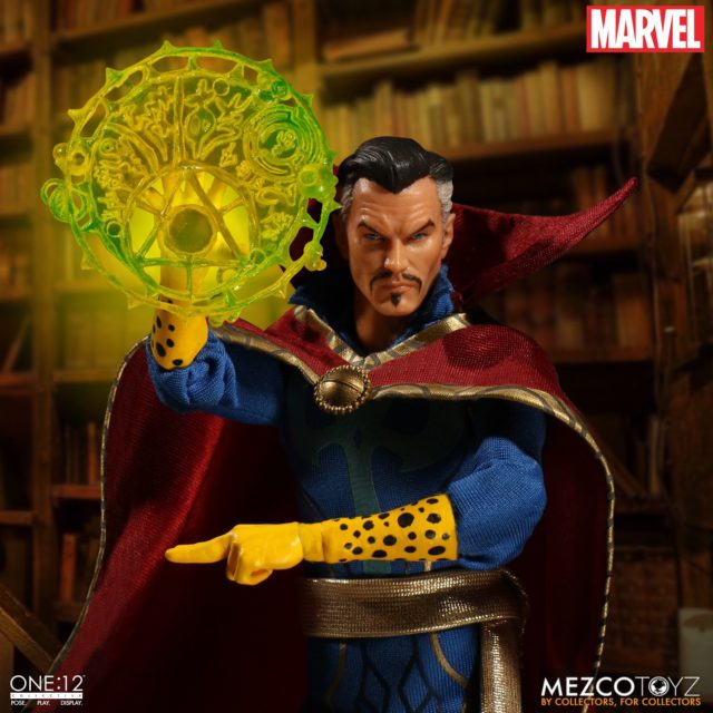 Mezco Doctor Strange Figure with Magic Effects Piece