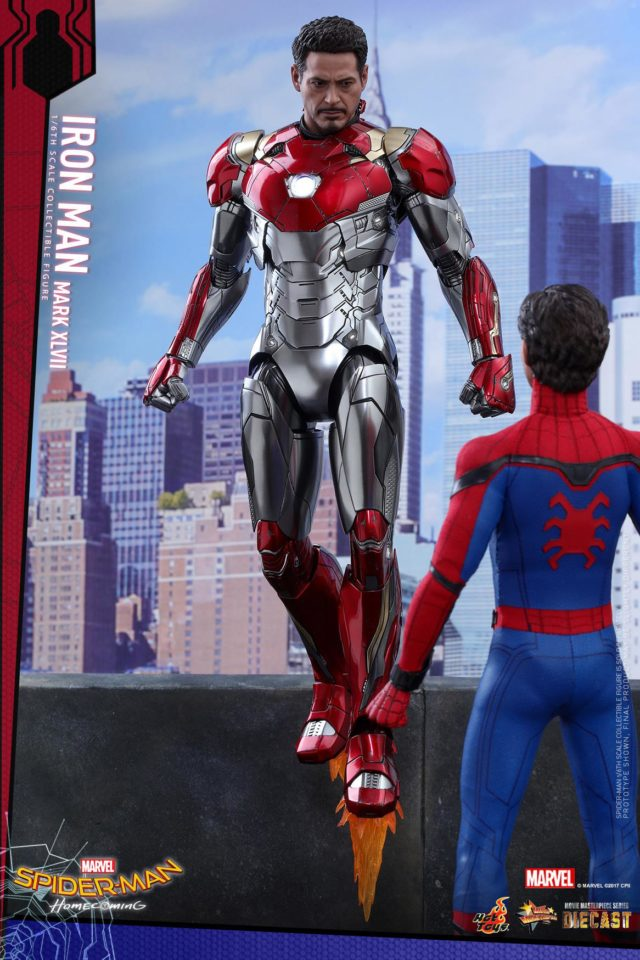 Spider-Man Homecoming Hot Toys Iron Man with Spider-Man Figure