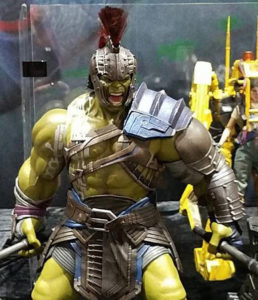 Close-Up of Hot Toys Gladiator Hulk Figure SDCC 2017