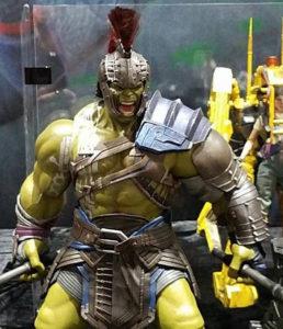 Close-Up of Hot Toys Gladiator Hulk Figure SDCC 2017