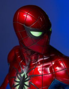 Close-Up of Spider-Man All-New All-Different Bust Gentle Giant