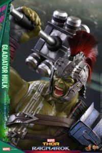 Hot Toys Gladiator Hulk Sixth Scale Figure Close-Up
