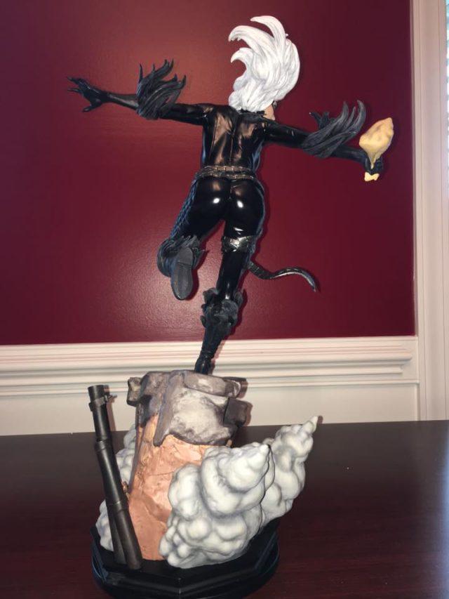 Back of Sideshow Black Cat Premium Format Statue