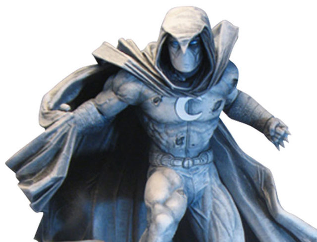Close-Up of DST Moon Knight Statue Marvel Premier Collection