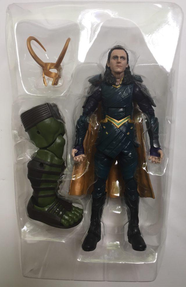Loki Thor Ragnarok Legends Figure and Accessories