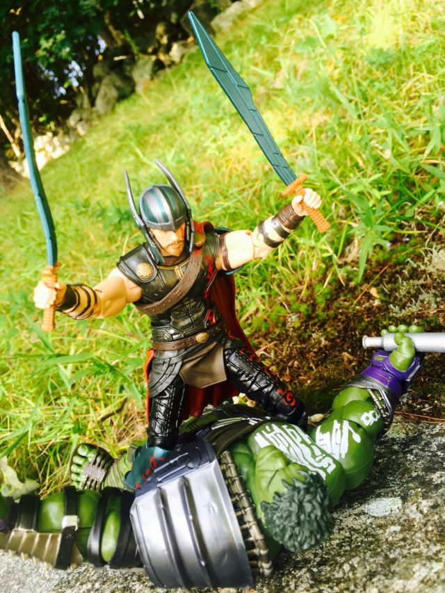 Thor Ragnarok Marvel Legends Thor vs. Hulk Figures