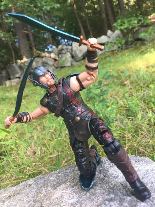 Marvel legends Gladiator Thor Bendy Swords with Cape Off