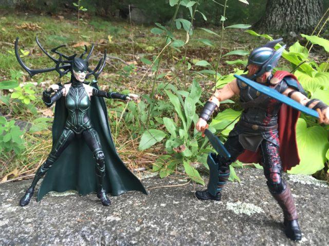 Marvel Legends Thor Ragnarok Series Hela vs. Thor