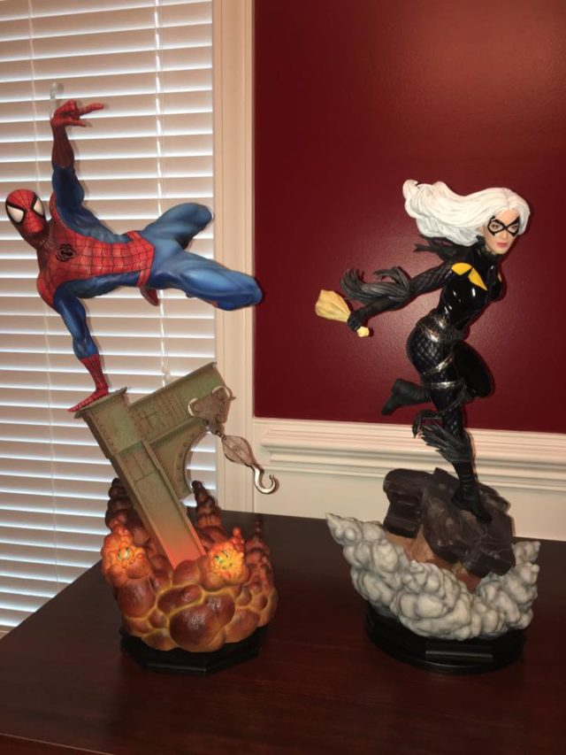 Sideshow Black Cat Statue Scale Photo with Premium Format Spider-Man